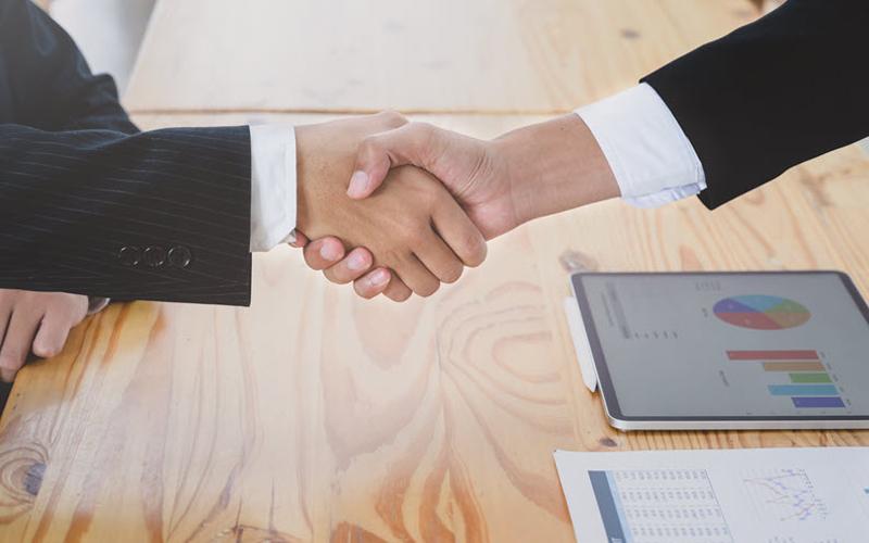 Thỏa thuận kỹ lưỡng với nhà đầu tư