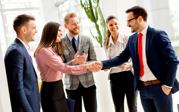 Doanh nghiệp cần đẩy mạnh các hoạt động tiếp thị trực tiếp với khách hàng