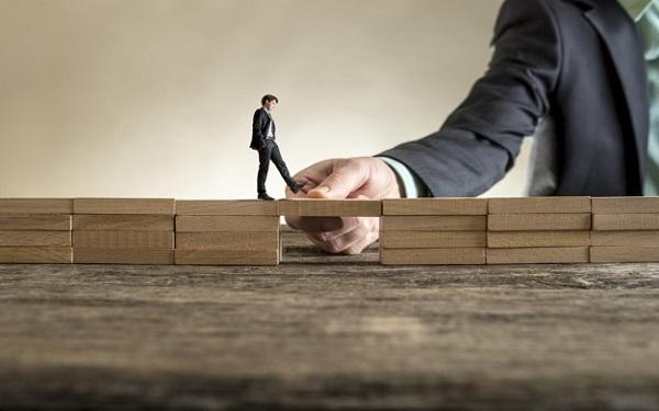 Làm thế nào để quản lý lực lượng lao động hiện trường hiệu quả luông là bài toán khó cho doanh nghiệp phải vượt qua