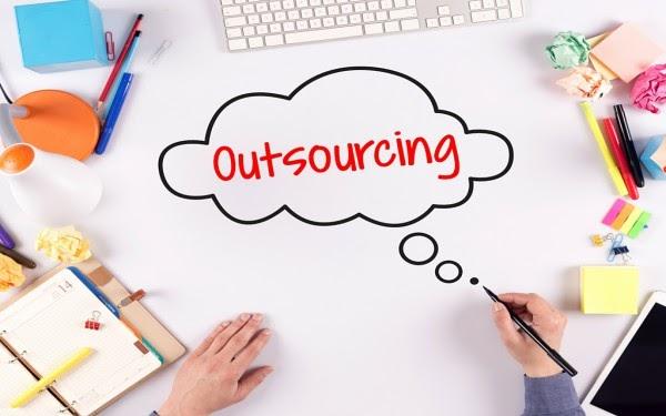 Outsource marketing được hiểu đơn giản là một phòng marketing thuê ngoài