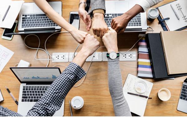 Sợi dây gắn kết giữa doanh nghiệp và nhân viên quá mong manh