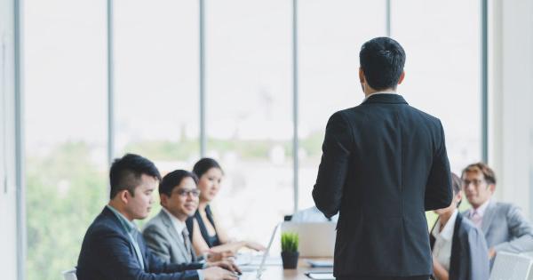 Ví dụ về tháp nhu cầu maslow trong việc thúc đẩy đội ngũ nhân sự