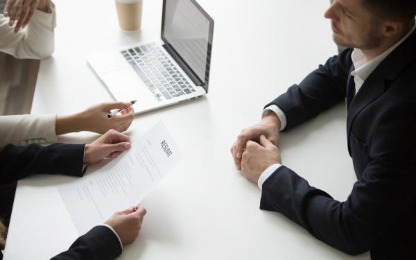 Thông báo tin tuyển dụng là quá trình truyền tải thông tin tuyển dụng đến ứng viên