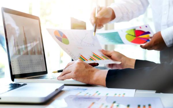 Quy trình bán hàng online không thể thiếu công đoạn nghiên cứu và phân tích thị trường
