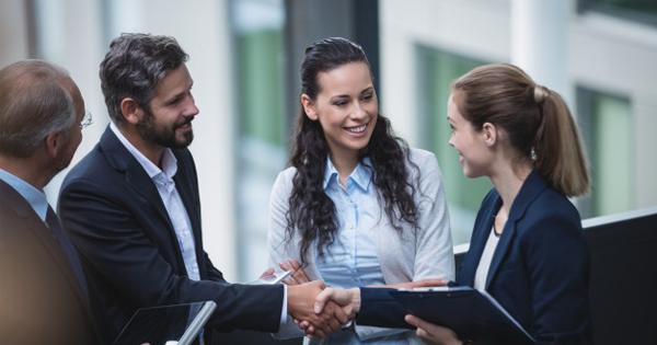 Đặt câu hỏi về những khó khăn của khách hàng
