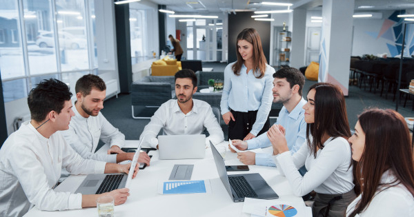 Xác định mục tiêu bán hàng đội kinh doanh và cá nhân nhân viên