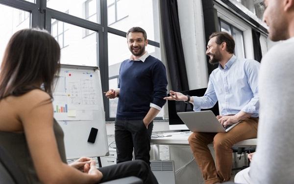 Manager có trách nhiệm quản lý công việc, nhân viên trong bộ phận