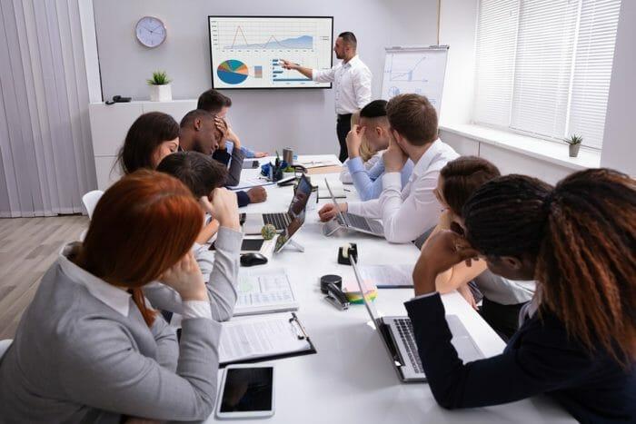 Những thay đổi trong quy định về thời gian nhân viên thử việc
