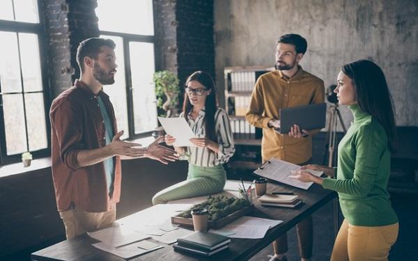 Trưởng phòng Kinh doanh có nhiệm vụ và vai trò gì?