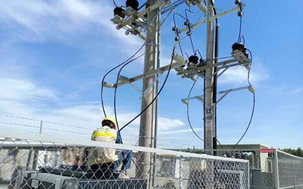 Xây lắp điện công nghiệp sở hữu số lượng lớn nhân viên làm việc tại các trạm biến áp