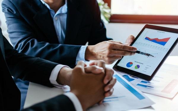 Tại sao doanh nghiệp nhỏ nên quan tâm đến báo cáo bán hàng?